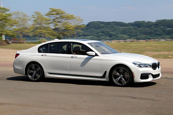 Basispreis Fur Das Weltweite Volumenmodell BMW 750 Li XDrive Sind 112700 Euro