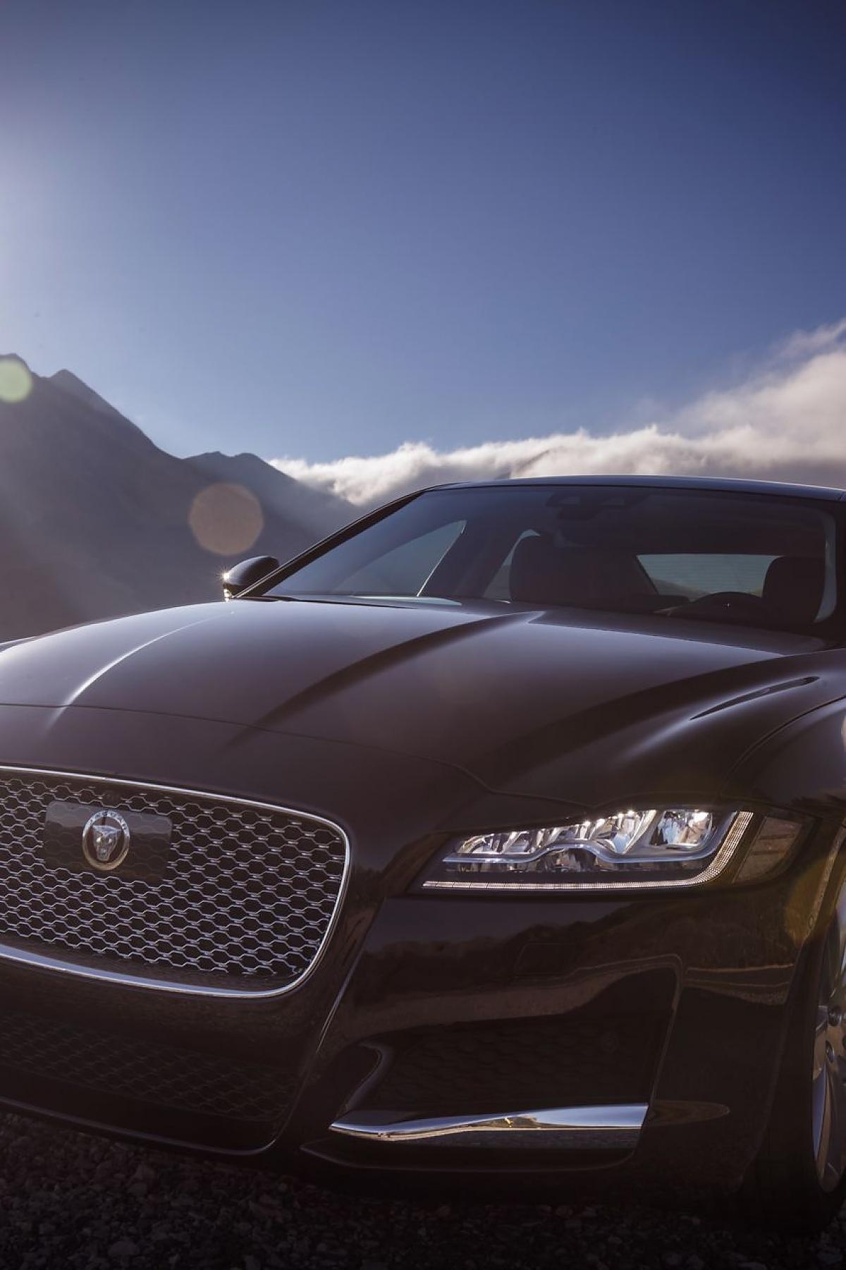 Neuer Jaguar XF 2 0d Mit Leichtbau gegen BMW 5er und Audi A6