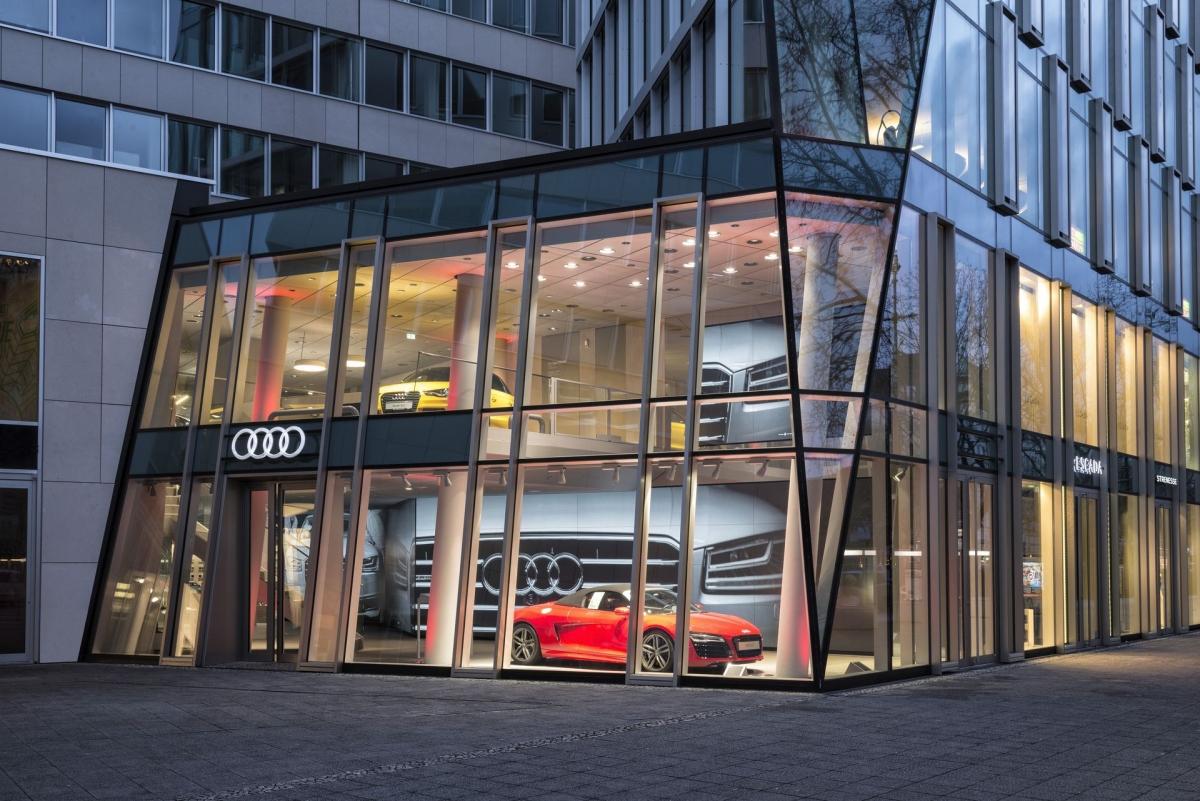 Abkehr Vom Klassischen Autohaus Tesla Als Trendsetter