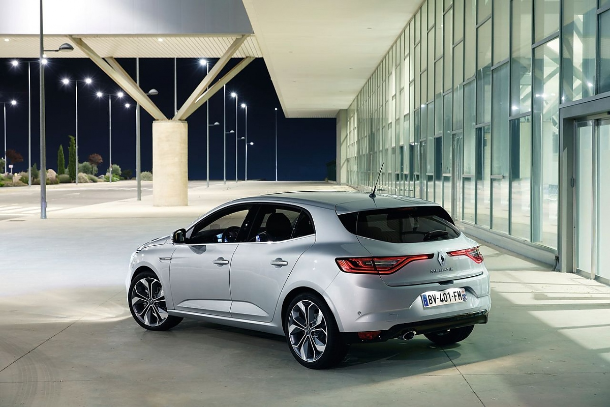 neuer renault megane mit allrad lenkung gegen golf und co. Black Bedroom Furniture Sets. Home Design Ideas