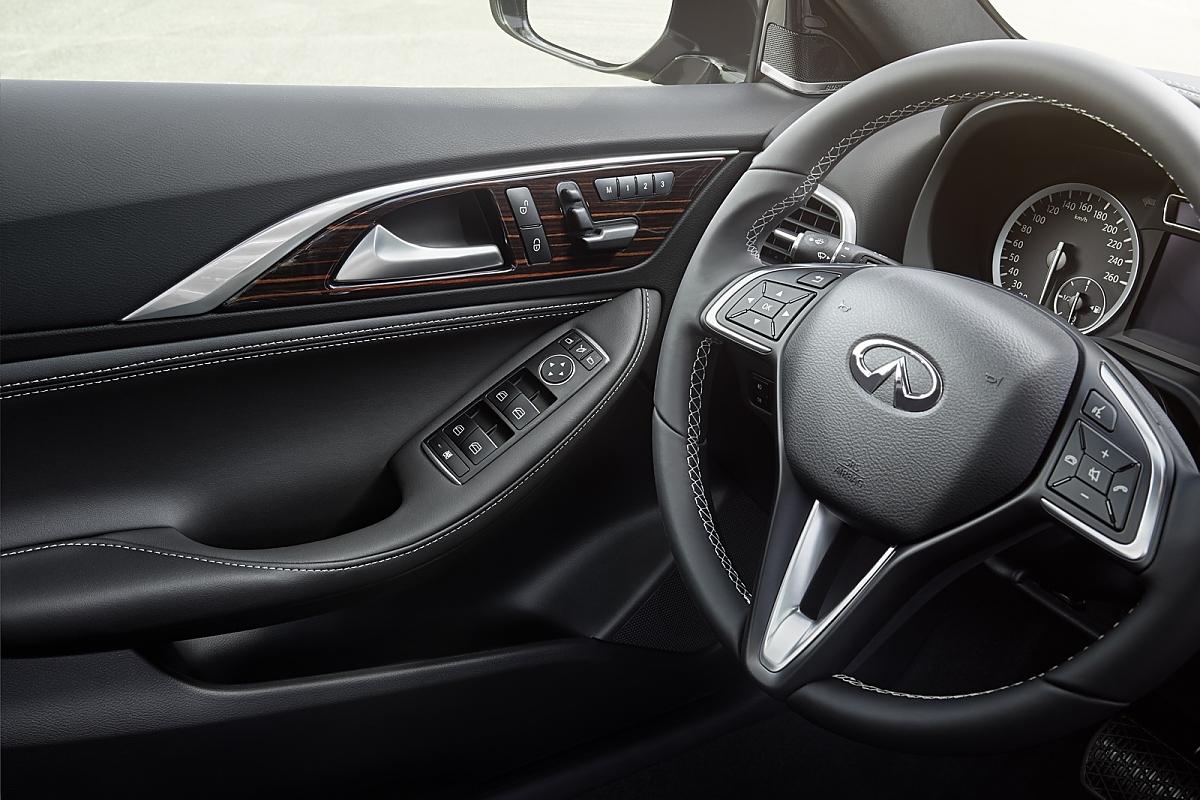 Infiniti Q30: Mit Mercedes-Hilfe aus der Nische