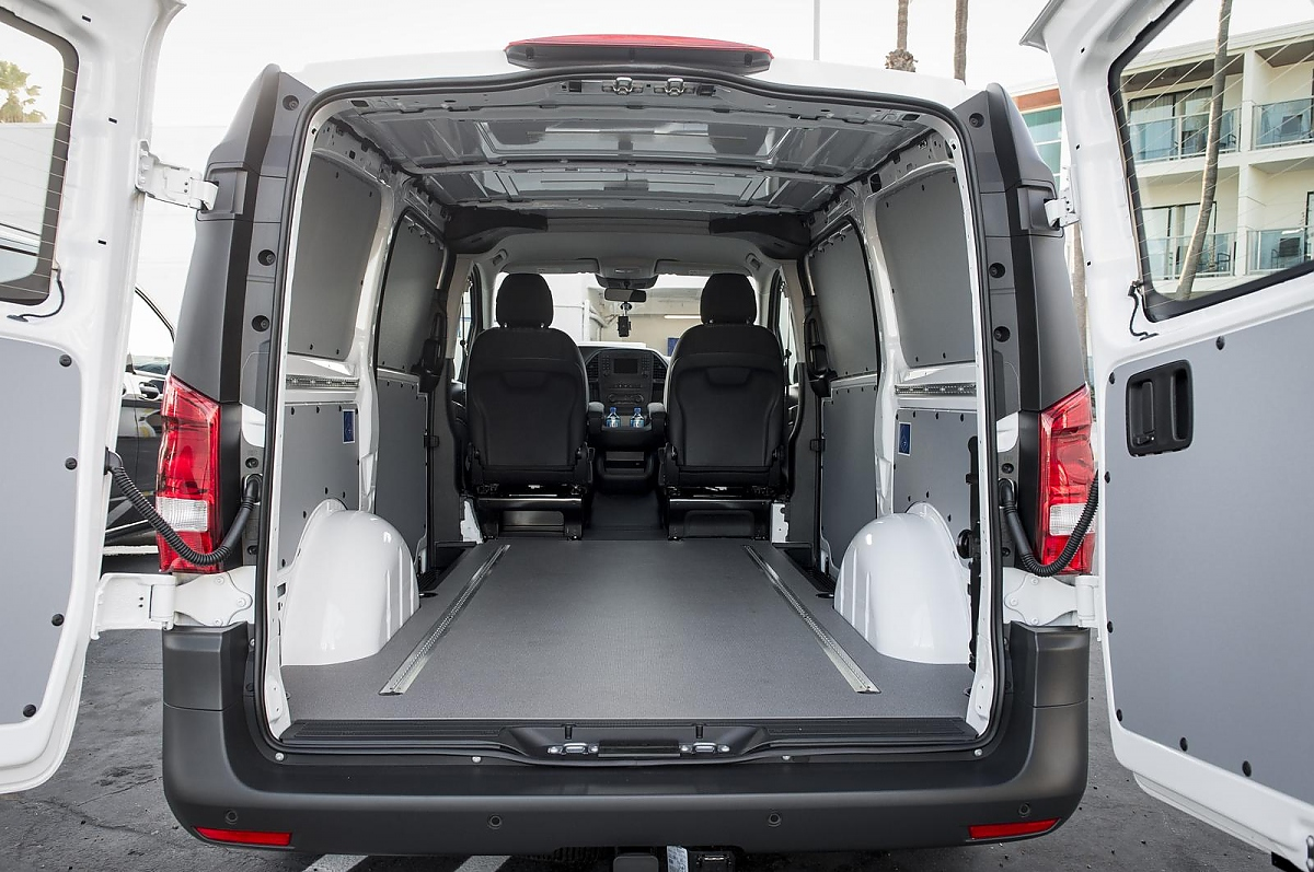 mercedes metris der vito f r us metropolen. Black Bedroom Furniture Sets. Home Design Ideas