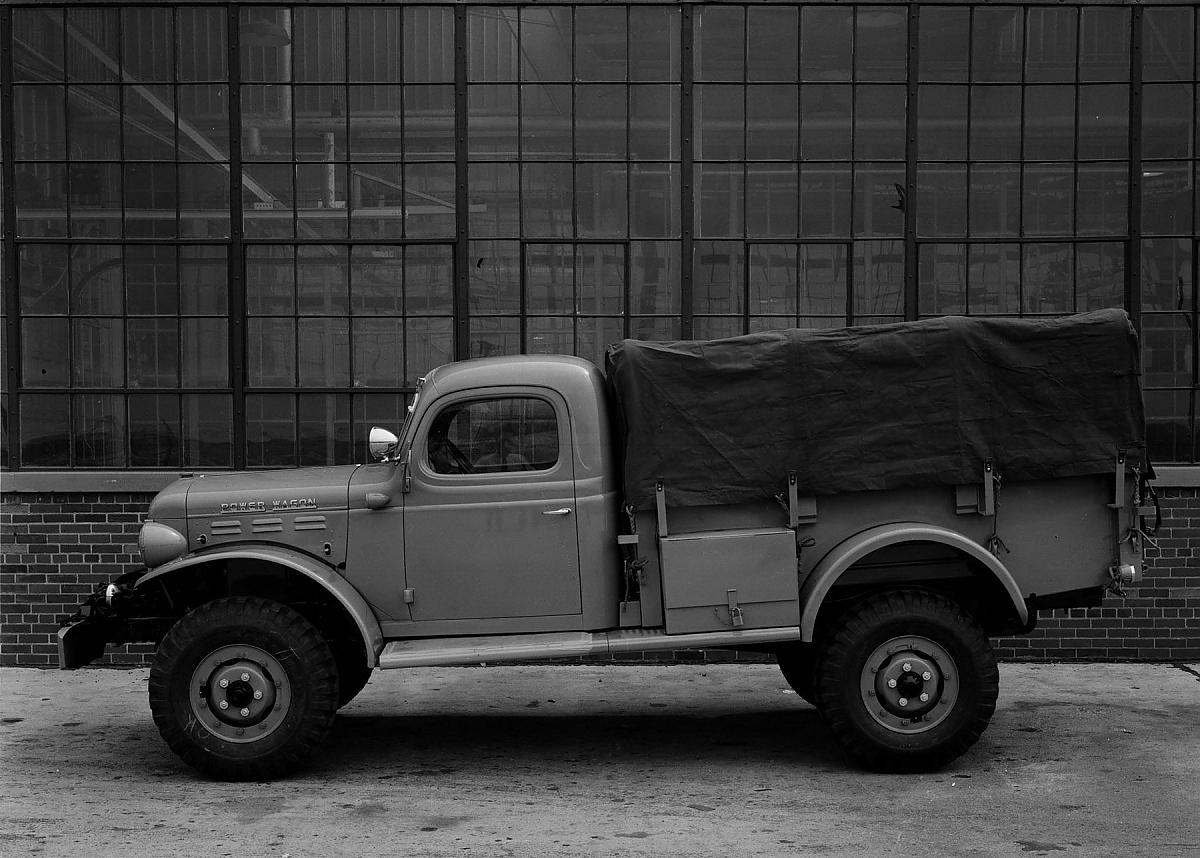 dodge power wagon vom arbeitstier zum saurier j ger. Black Bedroom Furniture Sets. Home Design Ideas