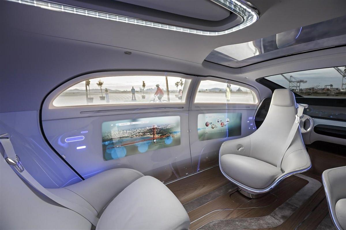 der mercedes f 015 luxury in motion gibt einen ausblick auf den luxus der zukunft bild press inform d weyhenmeyer - Luxus
