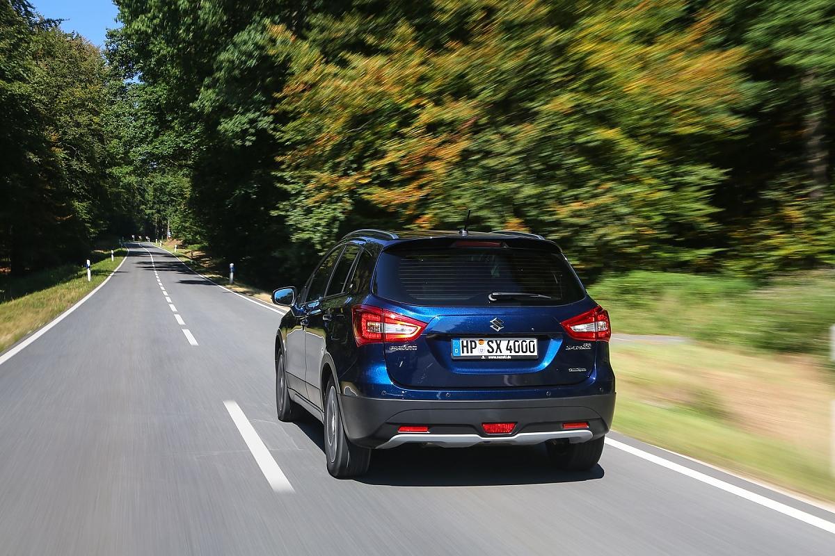 Der Kofferraum Fasst 430 Bis 1269 Liter Bild Press Inform Suzuki