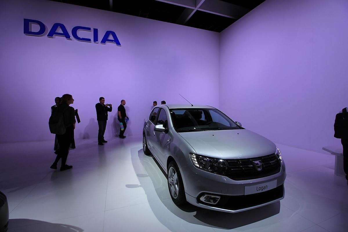 Die Dacia Erfolgsformel Nicht Nur Billig 2016 Renault Logan Interior Bild Marcel Sommer