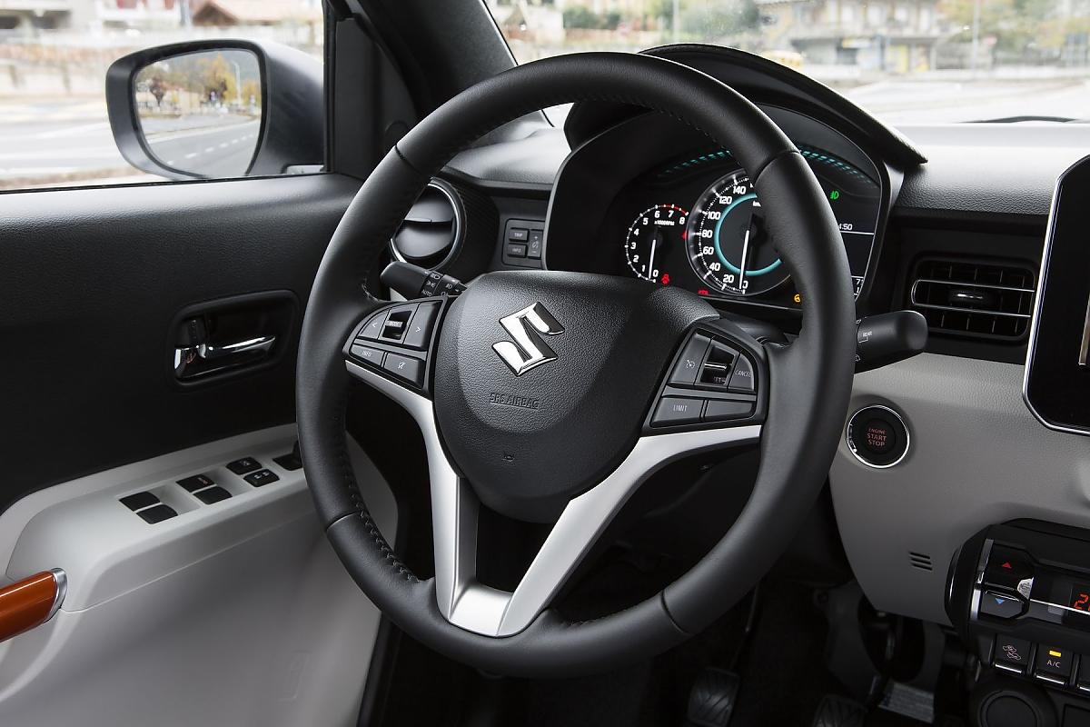 Das Cockpit Des Neuen Suzuki Ignis Bild