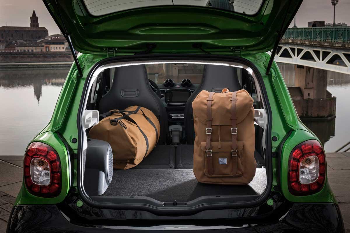 smart forfour electric drive elektrischer viersitzer. Black Bedroom Furniture Sets. Home Design Ideas