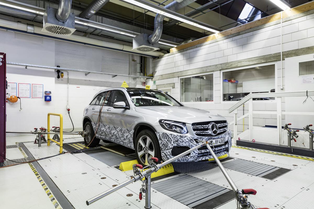 Mercedes-Benz zeigt Vorproduktion vom GLC F-CELL