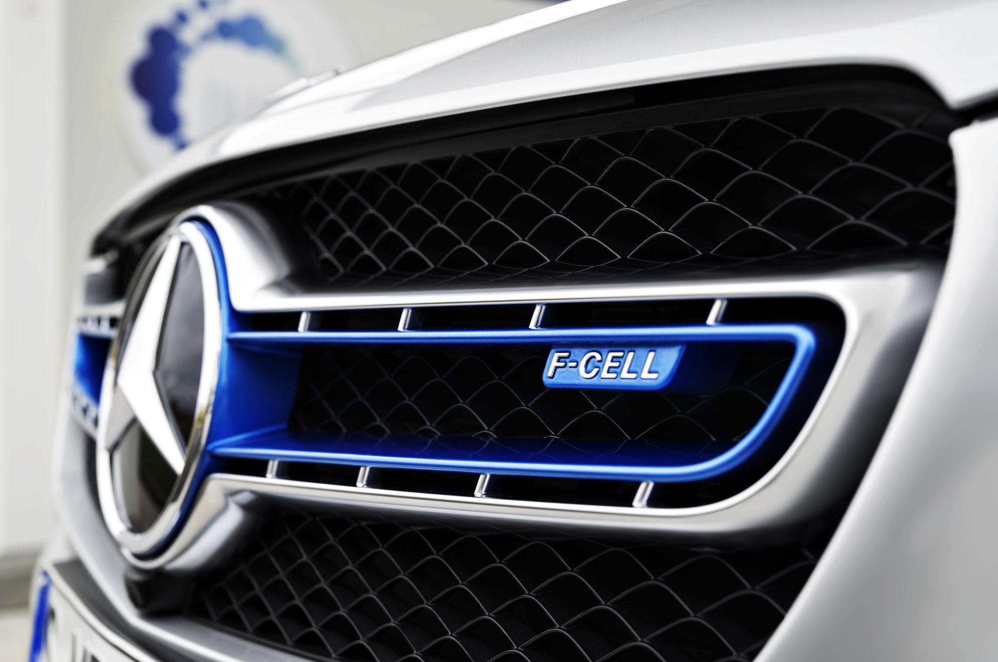 Mercedes glc f cell kombiniert brennstoffzelle und batterie for Mercedes benz delaware