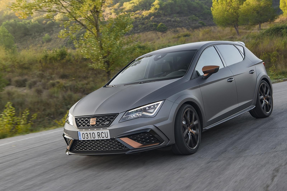 seat leon cupra r gediegenes monster ambiente. Black Bedroom Furniture Sets. Home Design Ideas