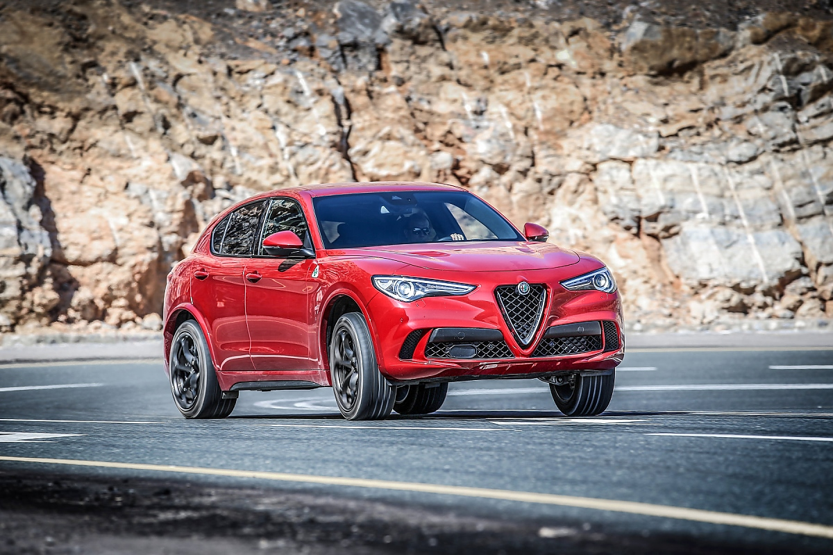 alfa romeo stelvio quadrifoglio gefahr f r x3 glc und q5. Black Bedroom Furniture Sets. Home Design Ideas
