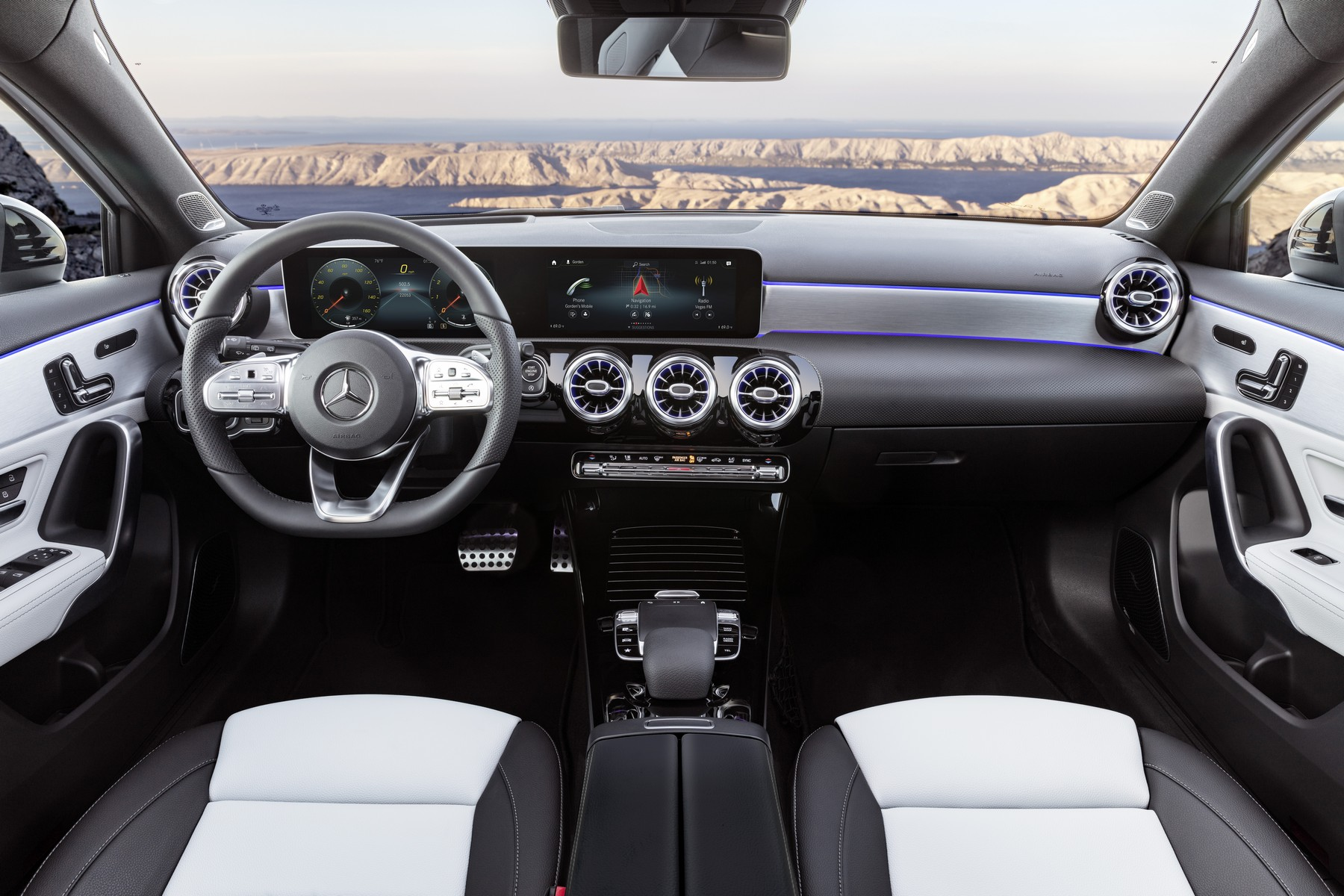 Sprinter 2018 Interior >> Mercedes A-Klasse: Hightech-Revoluzzer