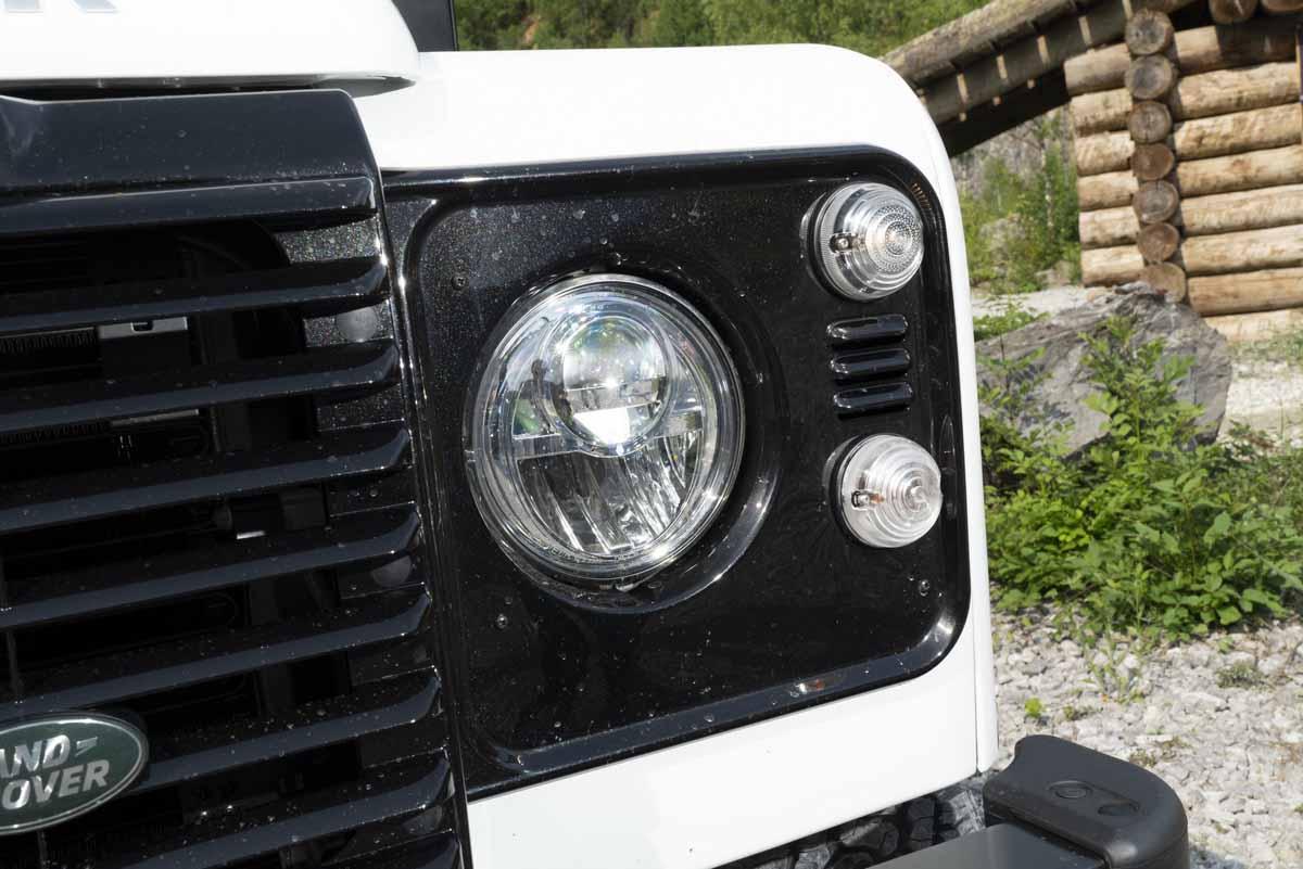 Land Rover Defender Works V8 Der Ber Suv Kostet Rund 169000 Euro Bild Press Inform Jaguar