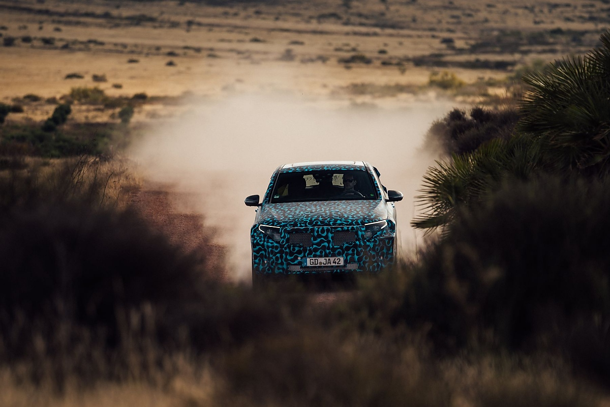 Mercedes EQ C: Elektrisch unterwegs in der Wüste