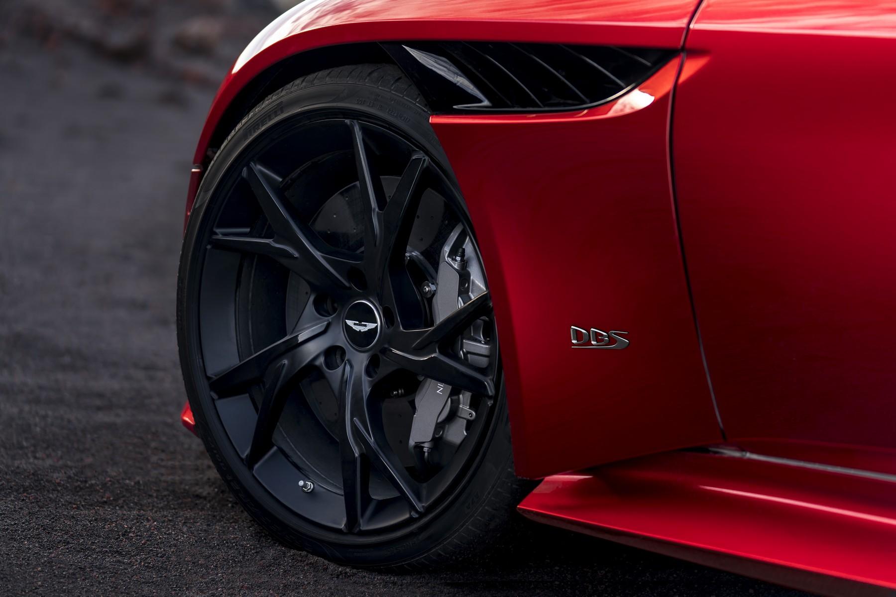 Aston Martin Dbs Superleggera Bond Mobil
