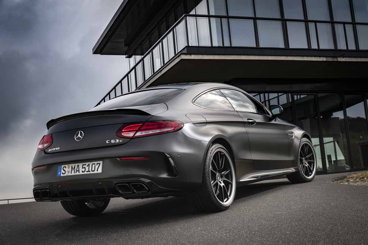 amg c63 s coup dynamisch harmonisch mit playstation modus. Black Bedroom Furniture Sets. Home Design Ideas